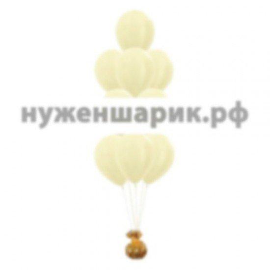 Фонтан из воздушных шаров цвета Слоновой кости Металлик