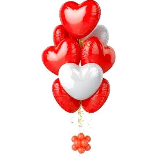 Фонтан из 8  фольгированных Сердец на основании